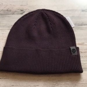 New With Tags Lululemon All For It Beanie Plum